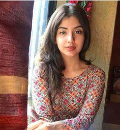 Cute Beauty, Beauty Full Girl, Beauty Women, Beauty Girls, Indian Teen, Indian Girls, Beautiful Bollywood Actress, Beautiful Indian Actress, Photography Poses Women
