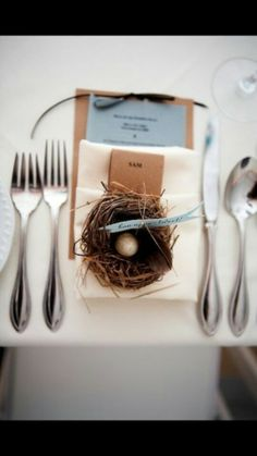 "Nest wedding place setting decor says ""bon appe- tweet"""