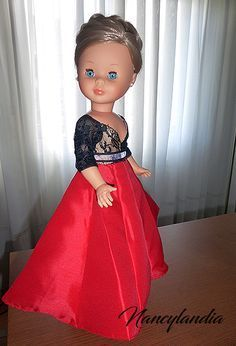 Coleccionistas de Nancy de Famosa Pram Toys, Nancy Doll, Barbie, Girl Doll Clothes, Vintage Dolls, American Girl, Flower Girl Dresses, Wedding Dresses, Sissi