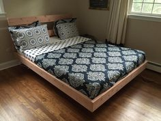 A floating bed design evokes a feeling of superiority by flowing above the floor emphasizing the feel of space allowing air to pass through the room easier. Bed Frame Plans, Diy Bed Frame, Bed Plans, Diy Queen Bed Frame, Bed Frames, Floating Platform Bed, Floating Bed Frame, Cama Queen, Queen Beds