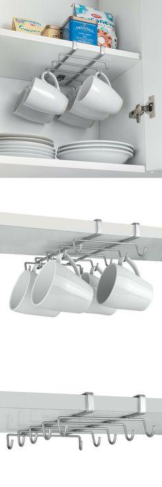Un porte-tasses et mugs super pratique pour gagner de la place dans une petite cuisine. À suspendre à l'intérieur des placards. Vu chez Amazon