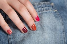 Ombre nails in fall colors? Love it! #nails #mani #manicure #nailart