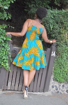 Latest Ankara Styles You Need To See Now Short Ankara Dresses, Short Gowns, African Print Dresses, African Print Fashion, Africa Fashion, Nigerian Dress Styles, Ankara Styles, Chitenge Dresses, Moda Afro