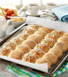 Goda brytbullar i långpanna - Best Pins swedish Swedish Bread, Bread Recipes, Cake Recipes, Bread Baking, Food Inspiration, Breakfast Recipes, French Toast, Brunch, Food And Drink