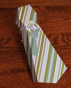 Tie Gift Box Template {Father's Day Present Wrap} - if I line it with wax paper, maybe i could use it for chocolate covered strawberries. Printable Box, Printables, Fathers Day Presents, Fathers Day Crafts, Toddler Crafts, Diy Crafts For Kids, Crafts Toddlers, Tie Gift Box, Gift Boxes
