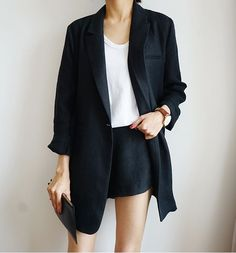 love everything sbout this short set suit. #minimal #style