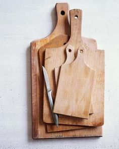 How to deep-clean a wooden cutting board in less than ten minutes.
