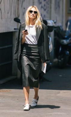Shiny leather skirt | Shiny, Laque, PU, PVC, Plastic | Pinterest ...