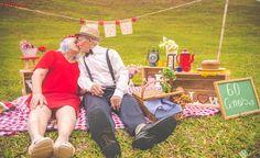 Casal de idosos faz ensaio 'pra lá de fofo' para celebrar 60 anos de casados