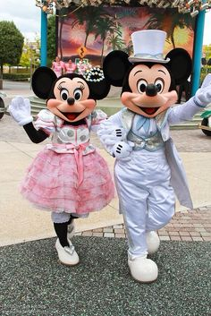 Live your travel dreams chef mickey s buffet - 1000 Images About Disney Mickey Amp Minnie On Pinterest