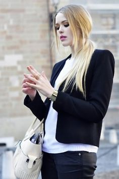 Now that's how to do a #Basic #Black and #White look
