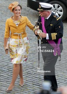 Princess Claire of Belgium and Prince Laurent of Belgium during the Abdication Of King Albert II Of Belgium & Inauguration Of King Philippe at the Cathedral of St. Luxembourg Germany, Military Ranks, Royal House, African Attire, Mother Of The Bride, Blazer Jacket, Dame, Beautiful Dresses, Coat