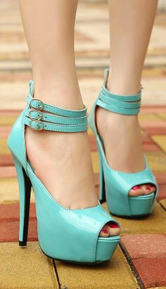 Love the color! I want these heels..
