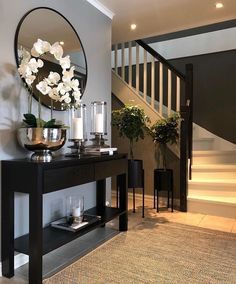 Home design decor on tgif happy friday heres a little hallway inspiration by hege_maries_hjem your hallway is the first thing you always see Home Design Decor, Decoration Design, Diy Home Decor, House Design, Decor Crafts, Interior Design Career, Interior Design Living Room, Hallway Decorating, Entryway Decor
