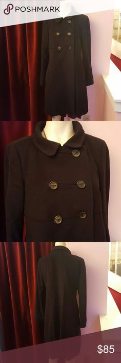 Zara women's coat size medium This Zara jacket is a size medium pea coat style  Buttons on the inside  Great condition  Has a pocket on the inside Jackets & Coats Pea Coats