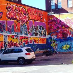 Wow! Check out this intense POP! Of color-graffiti  Spending the week in fabulous #Portland #Maine at a #nema conference (museums, museums, museums). What a city ⚓️so much to see and the food....is utterly splendid-hats off to the culinary talent that can be found her