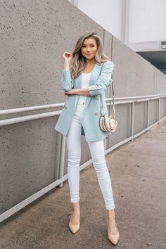 10 Winter to Spring Transitional Style Tips - Miss Louie - Work Outfits Women Spring Work Outfits, Casual Work Outfits, Business Casual Outfits, Professional Outfits, Office Outfits, Work Attire, Business Fashion, Classy Outfits, Professional Women