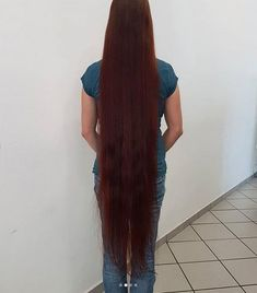 Long to her knees Long Red Hair, Super Long Hair, Long Hair Cuts, Long Hair Styles, Beautiful Long Hair, Dream Hair, About Hair, Down Hairstyles, Hair Lengths