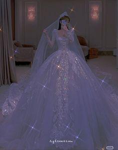 Ballroom Wedding Dresses, Dream Wedding Dresses, Wedding Gowns, Pretty Dresses, Beautiful Dresses, Ball Dresses, Prom Dresses, Sparkly Gown, Elegant Ball Gowns