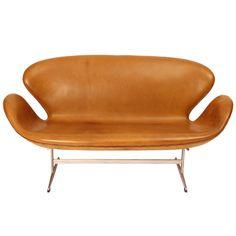 Swan Sofa by Arne Jacobsen for Fritz Hansen 1958 Reception Seating Chart, Cafe Seating, Restaurant Seating, Public Seating, Banquette Seating, Floor Seating, Lounge Seating, Fritz Hansen, Arne Jacobsen