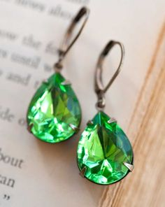 Vintage Earrings, Estate Style Vintage Glass Fern Green Pear Shaped Earrings