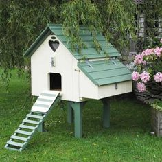 Chicken Coop - Painted Long Legged Maggies Six Chicken House Building a chicken coop does not have to be tricky nor does it have to set you back a ton of scratch. Backyard Chicken Coops, Chicken Coop Plans, Building A Chicken Coop, Diy Chicken Coop, Chickens Backyard, House Building, Chicken Feeders, Chicken Tractors, Chicken Barn