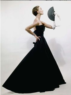 How evening wear should be done. Dior, 1949.