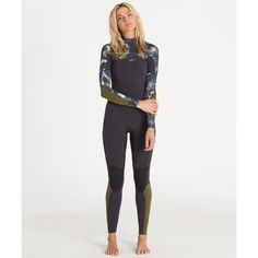 The water might be frigid, but you'll be feeling and looking oh, so tropical with this palm print wetsuit. Equipped with Billabong wetsuit technology, t...