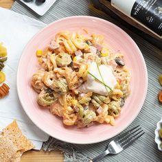 Ensaladilla de pasta y jamón   Recetas La Masía Fresco, Pasta Salad, Potato Salad, Potatoes, Ethnic Recipes, Food, Instagram, Rice Salad, Ethnic Food