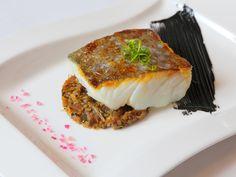 Restaurante La Nueva Carambola:  Premio Cocina Clásica / Tradicional: Bacalao confitado con verduritas y alioli negro