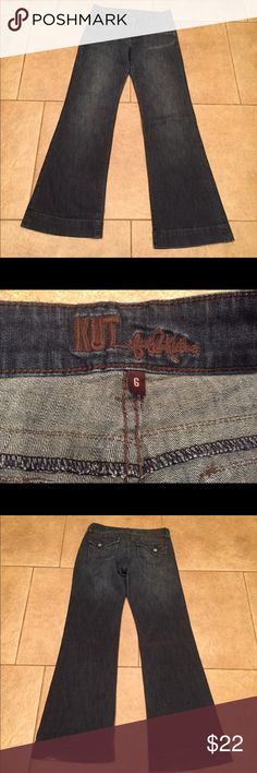 """Size 6 x 32"""" Kut From The Kloth Flare Size 6 x 32"""" Kut From The Kloth Flare Jeans. In great condition. Tiny bit of wear on left heel. Kut from the Kloth Jeans Flare & Wide Leg"""