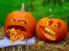 Funny idea of pumpkin carving for Halloween