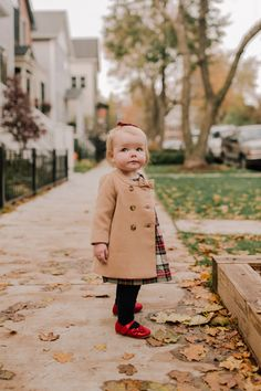 Little Girl Outfits, Little Girl Fashion, Cute Little Girls, Cute Baby Girl, Baby Baby, Little Girl Style, Baby Style, Baby Girl Coat, A Girl