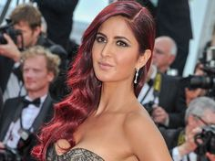 Sapna Bhavnani, a former TV Reality Show Bigg Boss Contestant & Hair stylist lashed out at Katrina Kaif's Red Hair which costed 55 Lakhs for her movie Fitoor. Box Office Collection, She Movie, Katrina Kaif, Upcoming Movies, Celebs, Celebrities, Reality Tv, Celebrity Gossip, Old Women