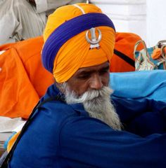 #India #sikht #orange #blue #photography ©Giorgia Pezzoni