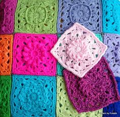 Here's my April Square for my mood blanket 2014.the pattern is written in English and US crochet terms.Hope you like it!
