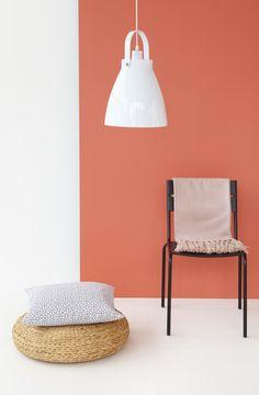 Kodin1, Anno, kevät 2013.lamppu ja seinän väri