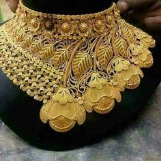 HEAVY Jewellery Blouse Design Necklace for the bride. New Gold Jewellery Designs, Jewelry Design, Gold Designs, Handmade Jewellery, Bridal Necklace, Bridal Jewelry, Gold Necklace, Boho Jewelry, Arabic Jewelry