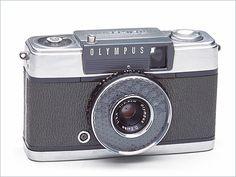 Olympus Pen EE (a fun half-frame camera)