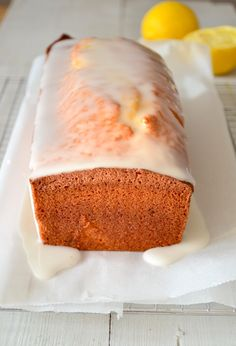 Citroen Cake, Vanilla Cake, Food Inspiration, Banana Bread, Cake Recipes, Bakery, Deserts, Food And Drink, Sweets