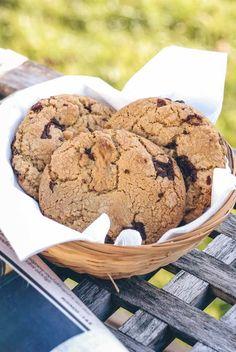 Cookies med chokoladestykker. Bløde chokolade cookies opskrift. Rigtig gode chokolade småkager eller cookies med chokolade (chocolate chip).