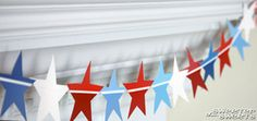 SweeterThanSweets: A Star-Spangled (Paint Chip) Banner - Tutorial Paint Chip Wall, Paint Chips, Diy Paper, Paper Crafts, Diy Crafts, Paper Banners, Paper Garlands, Chip Art, Star Spangled