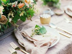 linen placesetting
