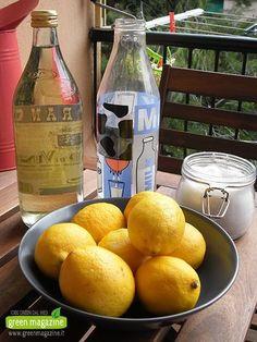 Ecco come fare a casa propria il detersivo per lavastoviglie (e per lavaggio a mano) al 100% ecologico. Ecco di cosa abbiamo bisogno 8 limoni 1100 ml di acqua 55o gr di sale fino 250 ml di aceto di vino bianco Procedimento Tagliare in 4 parti i limoni e...