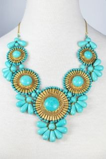 Roman Empire Necklace in Turquoise. would be so cute with a white flowy tank and a jean jacket :)
