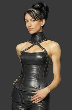 Claudia Black 'Vala Mal Doran' from Stargate and her gothic bustier. Claudia Black, Fetish Fashion, Latex Fashion, Sexy Outfits, Daniel Jackson, Leather And Lace, Black Leather, Latex Skirt, Leder Outfits