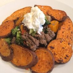 The Body Coach:Muscle mince mountain with sweet potato wedges & @totalgreekyoghurt #leanin15 #thebodycoach #teamlean2014 #90daysssplan #fitfam #fitspo #foodie #foodporn #lean