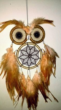 Dreamcatcher coruja More catcher craft owl Dreamcatchers, Beautiful Dream Catchers, Dream Catcher Craft, Crochet Dreamcatcher, Native American Crafts, Owl Always Love You, Owl Crafts, Owl Art, String Art