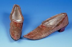 Childrens' slip-on shoes [undated - possibly 18th century].