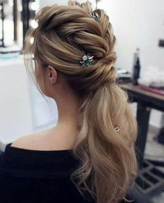 24 Prom Hair Styles To Look Amazing - Coiffure Sites Prom Hairstyles For Long Hair, Homecoming Hairstyles, Pretty Hairstyles, Braided Hairstyles, Hairstyle Wedding, Elegant Hairstyles, Dread Hairstyles, Hair Wedding, Latest Hairstyles